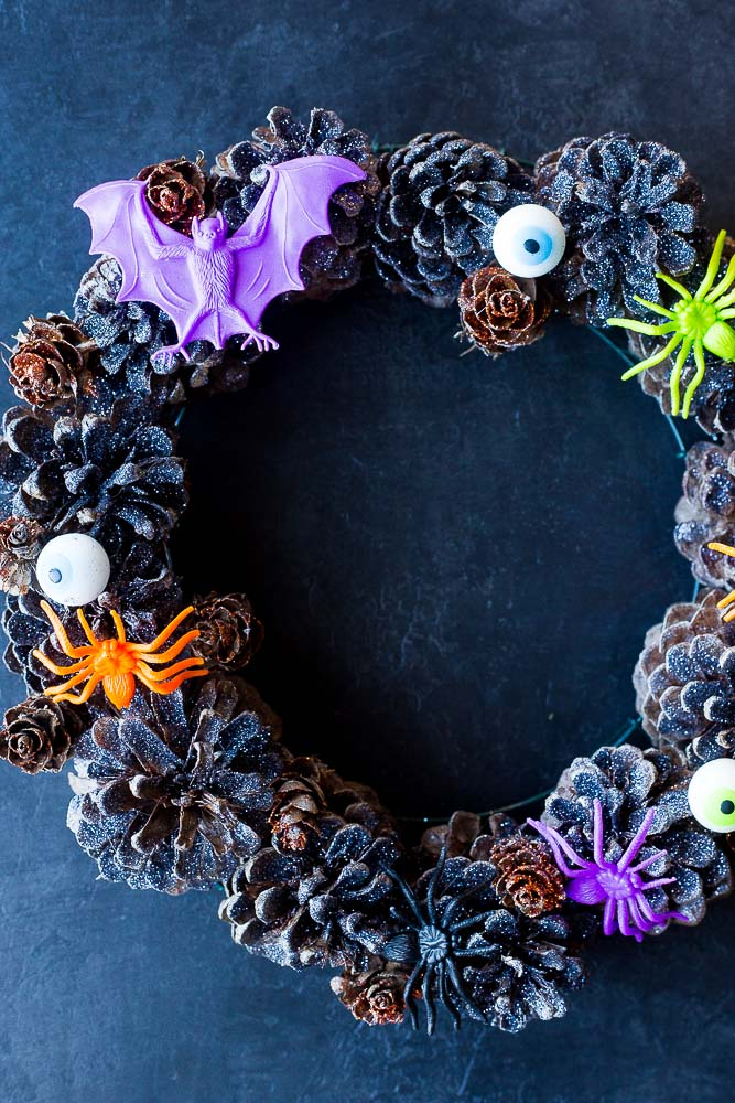 Close up of the Halloween Pinecone Wreath